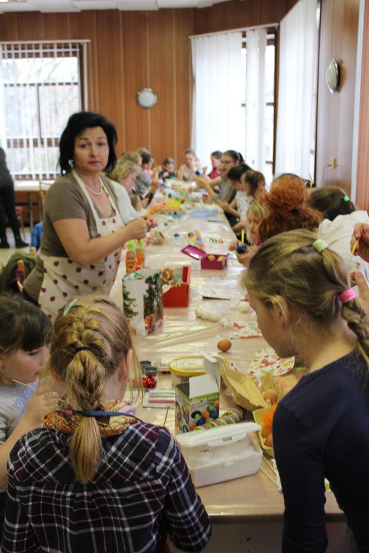 Maľovanie vajíčok, Pletenie korbáčov
